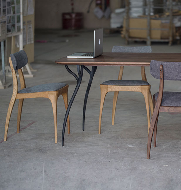Talon table and chairs